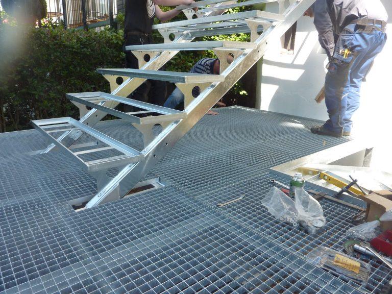 Stahltreppe mit Podest